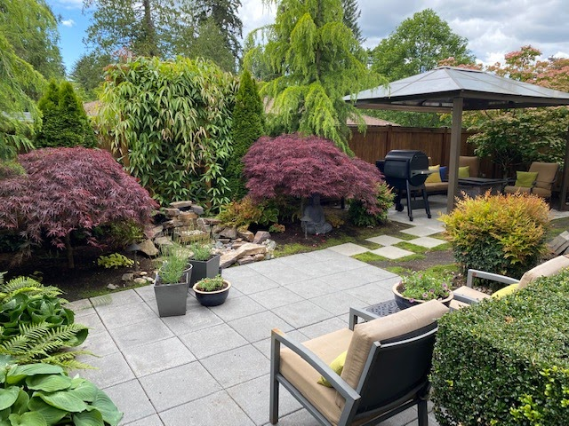 a nice yard that has benefited from patio design